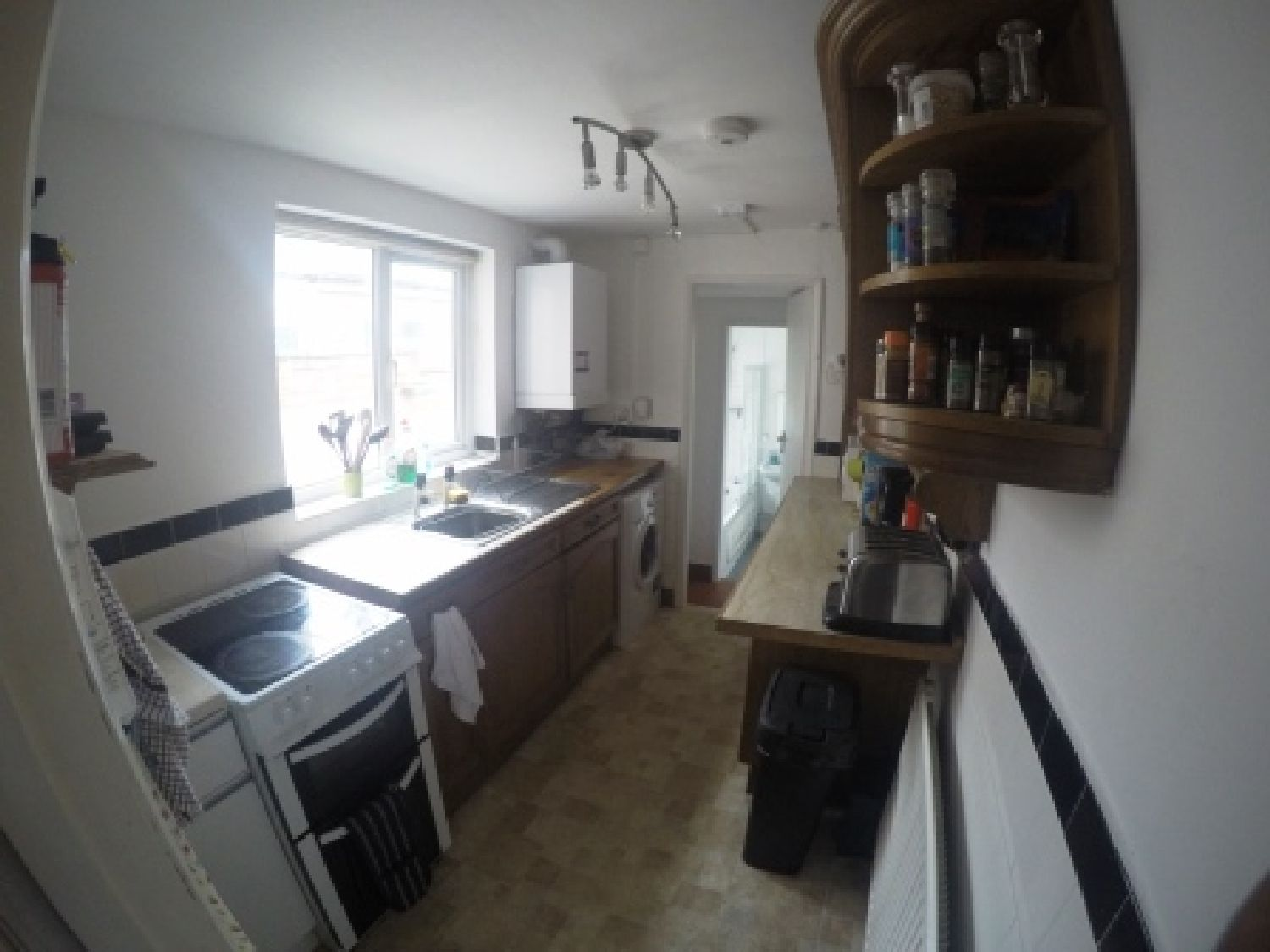 3 Bedrooms House Share for rent in Tiverton Road, Selly Oak, West Midlands, B29 6BS
