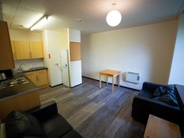 Flat 1 Fitzhardinge House, City Centre - Image 4