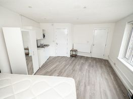Raddlebarn Court, Selly Oak - Image 4