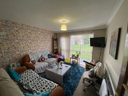 Flat 26 -b16 - Niall Cls, Harborne - Image 1