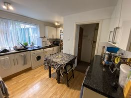 Flat 26 -b16 - Niall Cls, Harborne - Image 2
