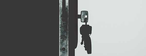 5 reasons to lock your door at uni
